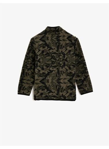 Koton Dik Yaka Uzun Kollu Kamuflaj Desenli Sweatshirt Yeşil